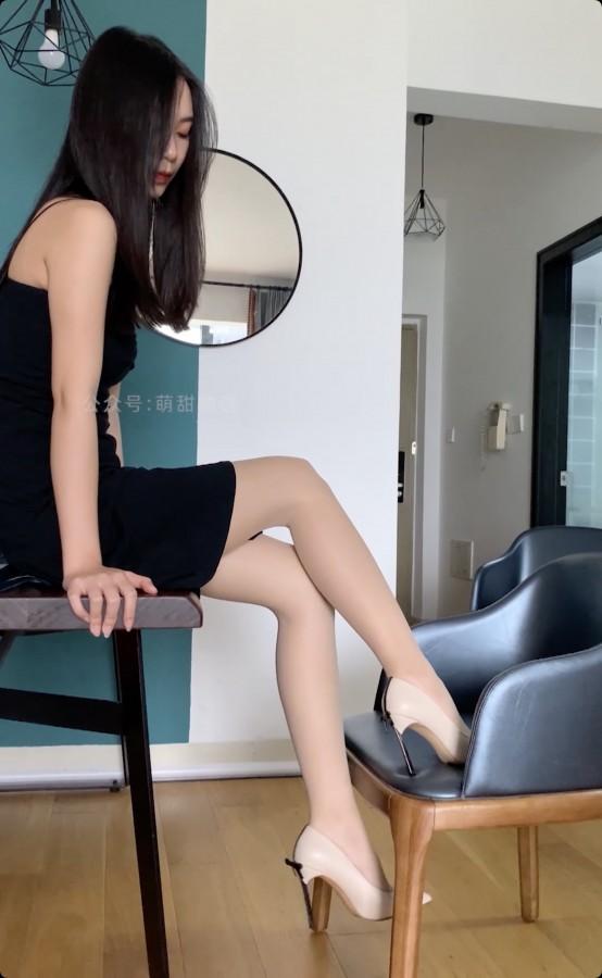 学妹加速跑 Video XM127 黑丝开衩裙