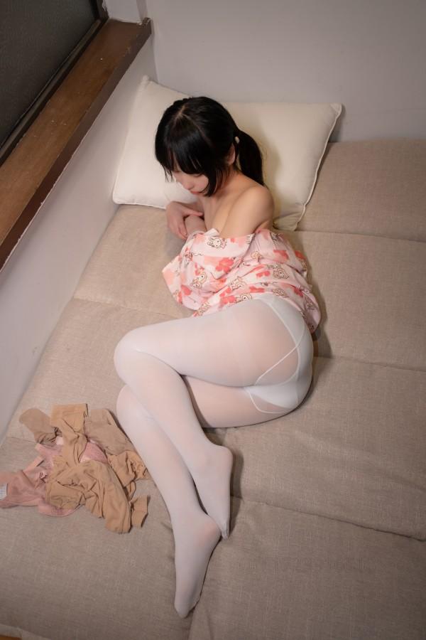 森萝财团 ALPHA-014 印花衣白丝