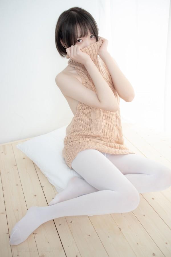 森萝财团 LOVEPLUS-004 露背毛衣80D白丝