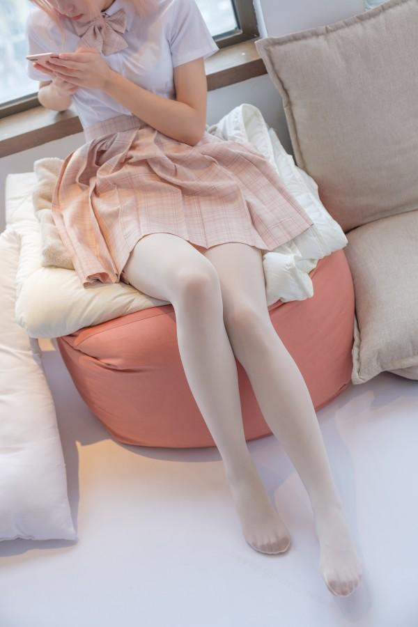 森萝财团 SSR-012 奶白超滑丝袜
