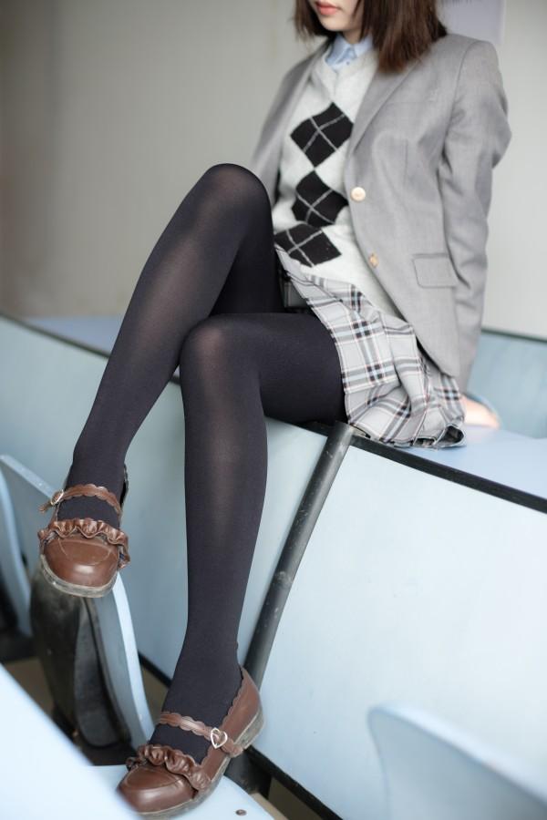 X-014 黑丝灰毛衣