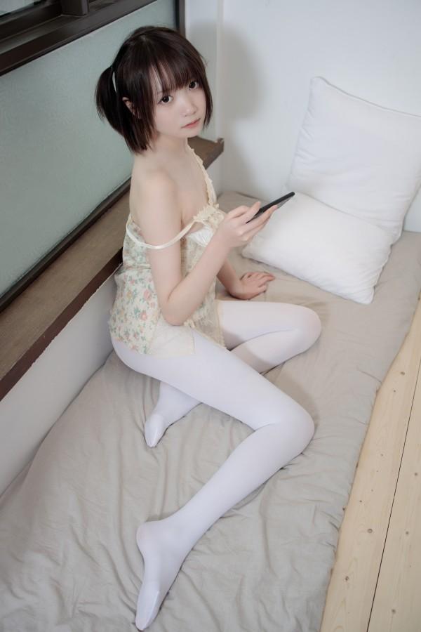 X-057 吊带短裙50D白丝
