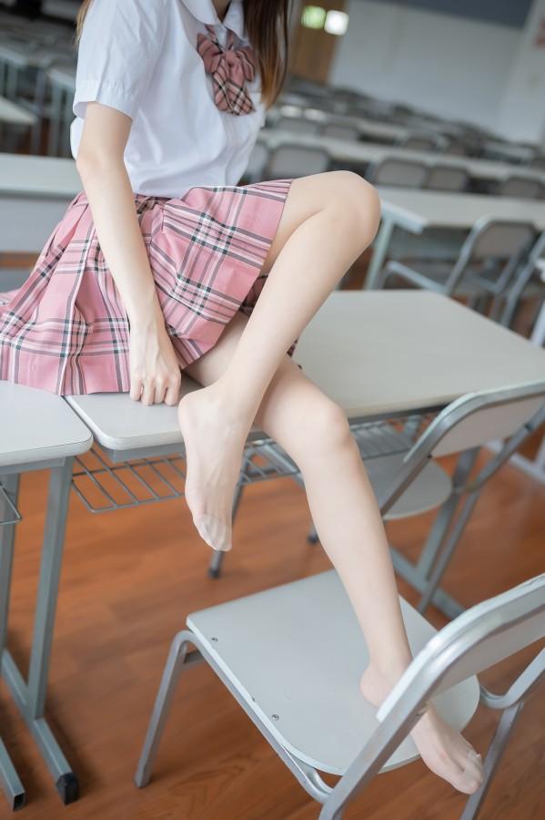 风之领域 No.112 格子裙少女