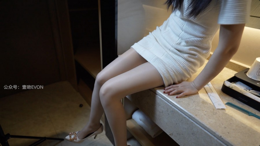 KittyWawa Video KT272 白色裙